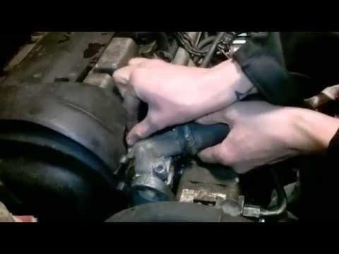 Замена термостата на VOLVO [ Thermostat repair ]