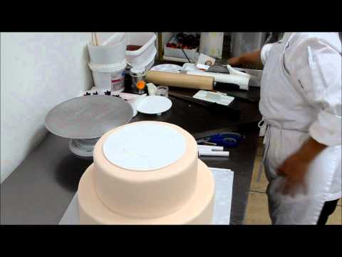 How to stack a cake - Cake Support Technic