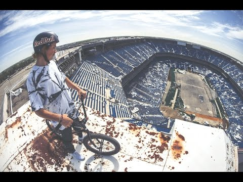 This Tyler Fernengel BMX Sesh Around the Empty Silverdome Is Eerily Awesome