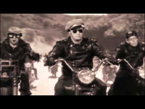 L'homme a la moto