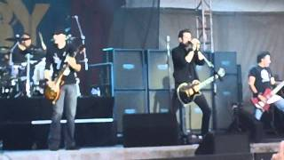 Theory of a Deadman - So Happy Live