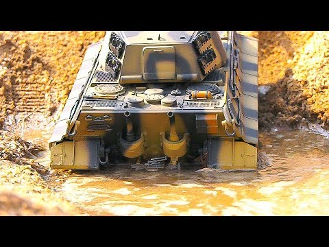 STUNNING RC TANK MUD ACTION! RC MODEL SCALE TANKS CROSS A WATER MUD SECTION