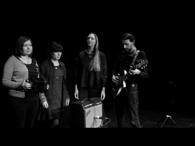 The Furrow Collective – Chuir M'Athair Mise dhan Taigh Charraideach