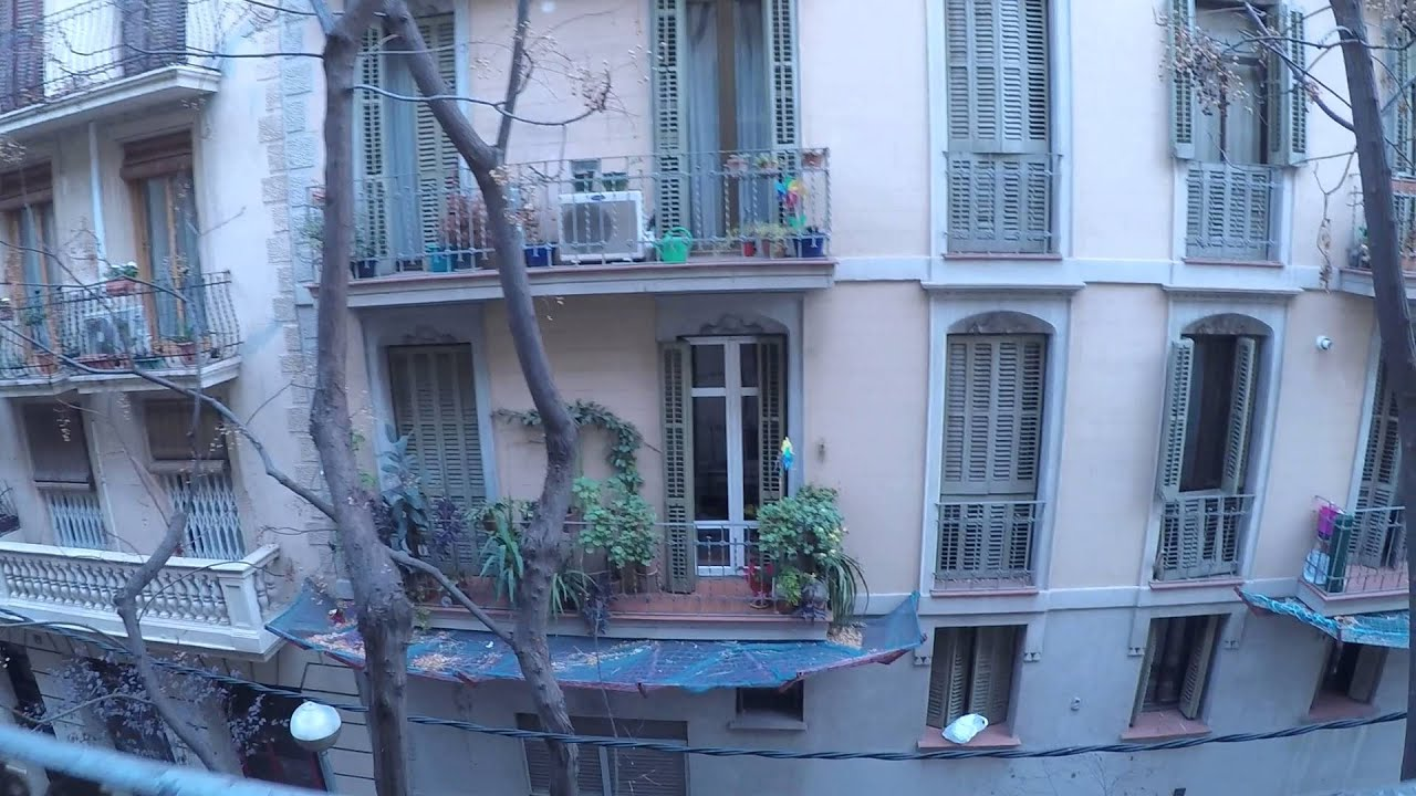 Luminous 2 bedroom apartment with balcony, close to Sagrada Familia