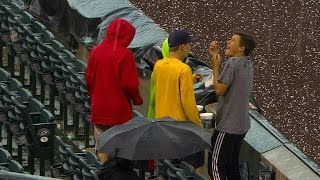 LAD@COL: Golf-ball sized hail delays game in Colorado