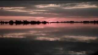 preview picture of video 'Asi se escode el sol en la Laguna de Navarro'