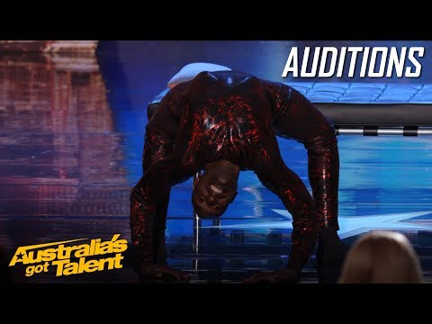 CREEPY Spider Contortionist Troy James | Auditions | Australia's Got Talent (видео)