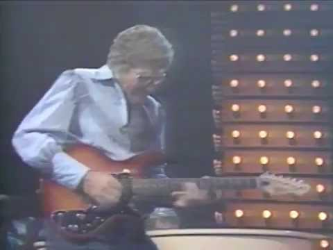 Carl Perkins w/ Ringo Starr - Honey Don't - 9/9/1985 - Capitol Theatre (Official)