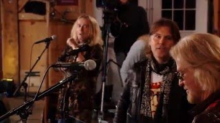 """Live From Daryl's House - """"Surrender"""""""