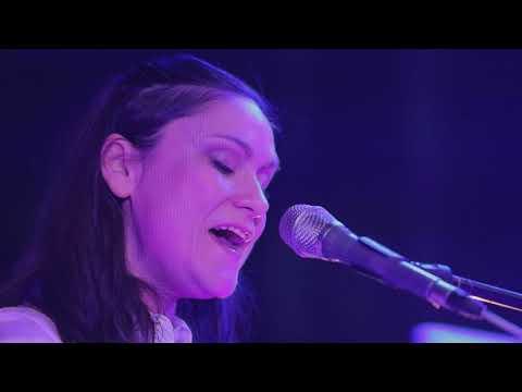Lenka Dusilová - SEVEN II (Official Live Video)