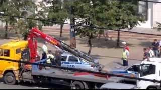 Драка водителя эвакуированной машины с Гаишником (Челябинск)