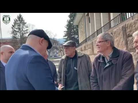Главният прокурор Иван Гешев разговаря с жители на Перущица