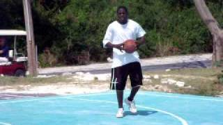 preview picture of video 'Kenyon dunking'