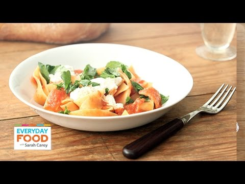 Broken Noodles in Tomato Sauce – Everyday Food with Sarah Carey