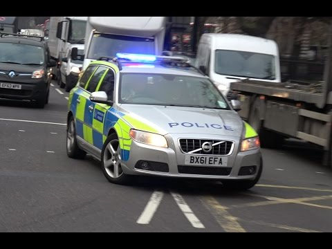 , title : 'London Police Car Tries To Respond...'