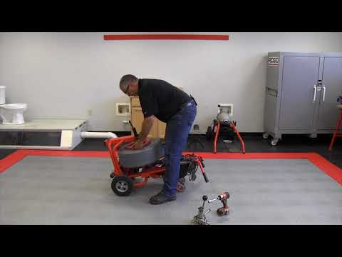 Swapping out the drum on the RIDGID K7500 drain cleaning machine