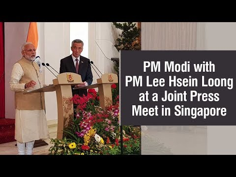 PM Modi with PM Lee Hsein Loong at a Joint Press Meet in Singapore