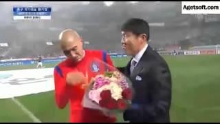 [차두리 은퇴]차범근 품에 안겨 우는 차두리(cha Du Ri Retirement Crying With Cha Bum)