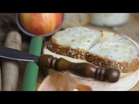 Zwiebel-Apfel-Schmalz | Selbstgemacht und einfach herzustellen | für Brot und weiteres (vegan)