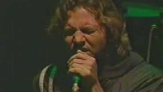 pearl jam - footsteps (live)