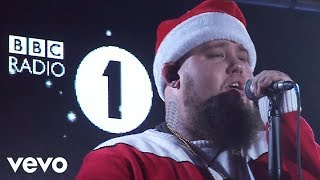 Rag'N'Bone Man - It's Beginning To Look A Lot Like Christmas