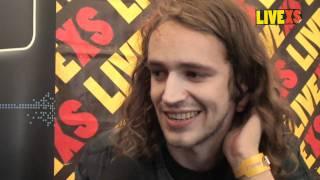 Interview met Shaking Godspeed bij LiveXS op Paaspop 2011