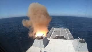 На видео попали первые ракетные стрельбы американского эсминца-невидимки Zumwalt