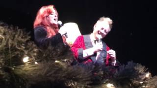 "Wynonna Judd / Cactus Moser ""Baby It's Cold Outside"" A Wynonna & the Big Noise Christmas"