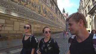 Познайомився з дівчатами в Дрездені. Не вийшов на роботу. Зробив собі вихідний