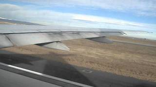 United Airlines 777-222 N775UA Taxi and Takeoff from Denver