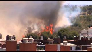 preview picture of video 'Incendio en La Muntanyeta de Sant Boi 26-06-2012'
