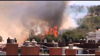 preview picture of video 'Incendio en La Muntanyeta de Sant Boi 26-06-2012'