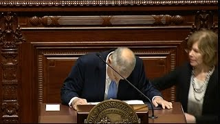 Gov. Mark Dayton collapses during State of the State speech