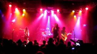 The Donnas - Its on the rocks - The Highline Ballroom New York 24/3 2010