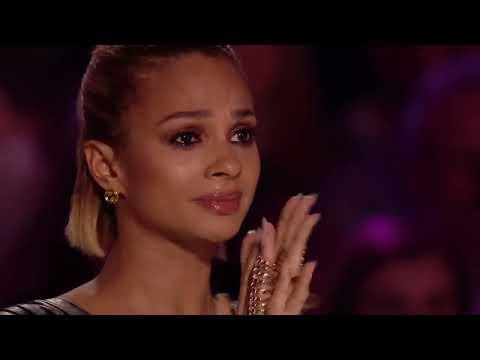 Ikke et øye er tørt når 14-åringen synger