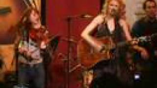 """Taylor Swift """"Picture to Burn"""" - NAMM 2008 with Taylor Guitars"""