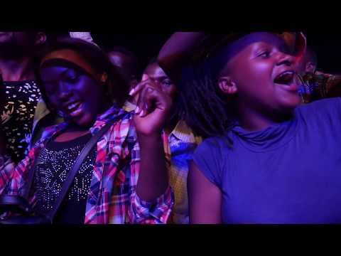 Meddy Singing live at Youth Connect (Official Video)