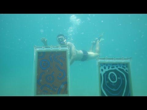 8 pés: arte inspirada no mar e exposta lá no fundo do Oceano