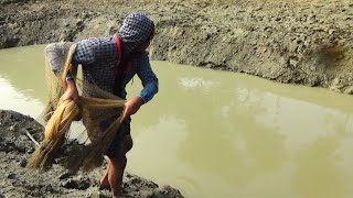 Net Fishing Traditional Cast Net Fishing in River Fishing with a cast net (Part-92)