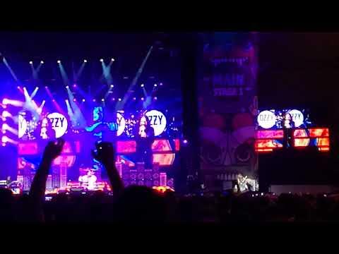 OZZY OSBOURNE - FAIRIES WEAR BOOTS  (DOWNLOAD FESTIVAL MADRID 2018 LIVE)