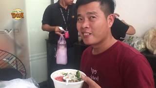 Cảm xúc Khương Dừa khi đang đói bụng muốn xỉu lại được tặng 30 tô mì Quảng hảo hạng!!!!