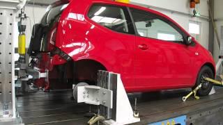 preview picture of video 'VW Up Festigkeitstest für eine Anhängerkupplung'