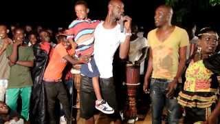 preview picture of video 'SABAR ''NDEUP'' AZIZ NIANE ET LE GROUPE SOLEIL LE VENT'