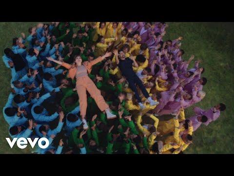 Oh Wonder - Hallelujah (Official One-Shot Video)