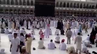 preview picture of video 'Tawaf at the kaba Mecca, narration by Salim Mastan'