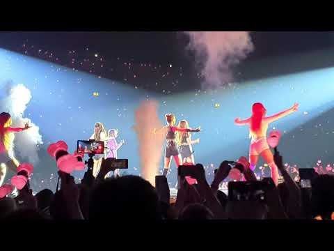 BLACKPINK - 'BOOMBAYAH' LIVE FANCAM- BLACKPINK IN YOUR AREA LONDON 2019 4K HDR