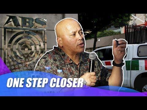 [News5]  Sen  dela Rosa, 'one step closer' sa pagsuporta sa ABS CBN franchise