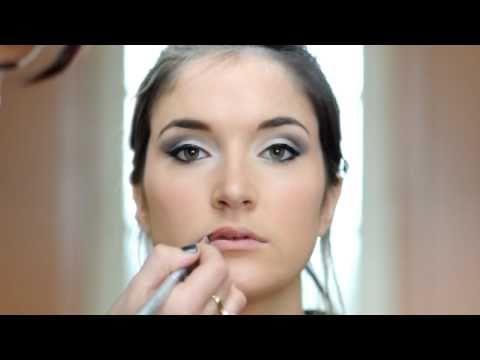 discussion sur youtube maquillage yeux de biche moment intemporel. Black Bedroom Furniture Sets. Home Design Ideas