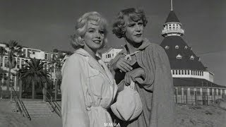 "Marilyn Monroe In ""Some Like It Hot"" - Movie Scene And Rare Onset Footage"
