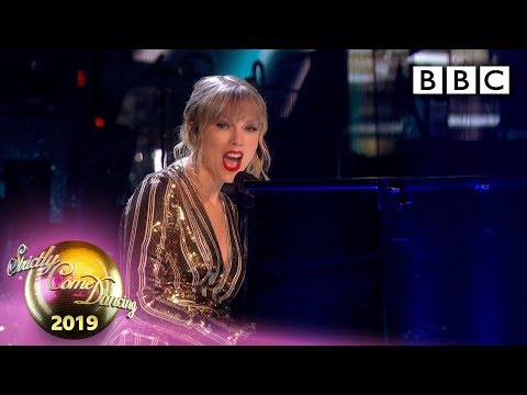 @Taylor Swift performs Lover - The Final   BBC Strictly Come Dancing 2019